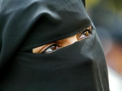 Burqa, victime d'un bestial acharnement politique Français?