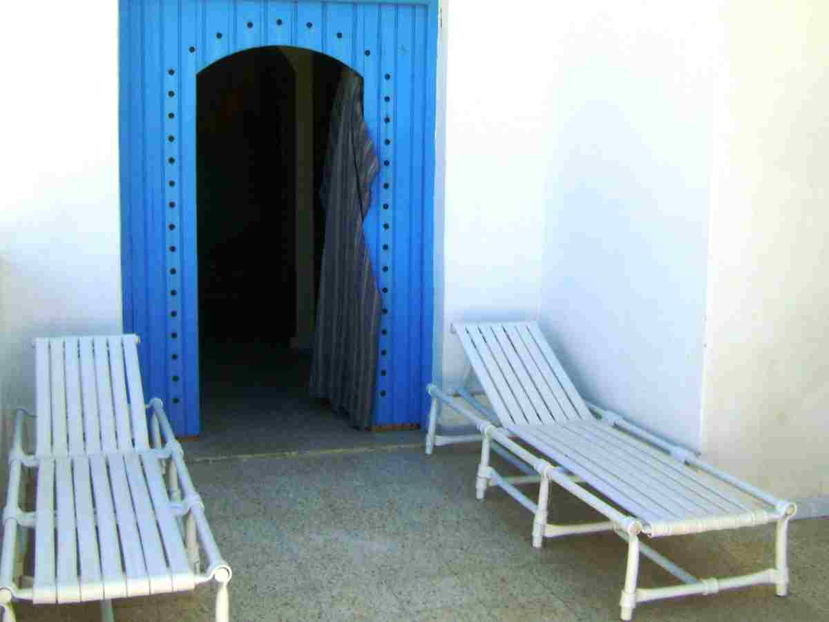 Jolie petite villa duplexe de 85 m2 avec 2 chambres, jardin, superbe terrasse vue mer, à 2 minutes des plages