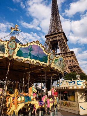 Le Carrousel de la Tour Eiffel en vente sur le site d'antiquité Proantic