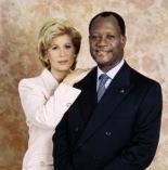 Côte d'Ivoire : le couple présidentiel rend un dernier hommage à Dominique Pin
