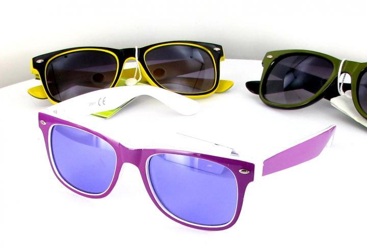 Vente en ligne de lunettes de soleil pas cher à la mode sur le comparateur de prix shoocare.fr.