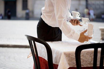 Au-delà du menu… par Claudette Samson du journal Le Soleil de Québec.