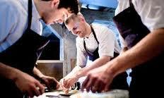 Selon moi, le port d'un UNIFORME contribue à améliorer l'image d'un restaurant…