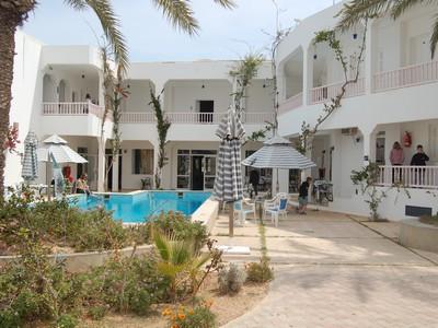 Djerba appart hotel de charme bien équipé et situé avec projet d'extension