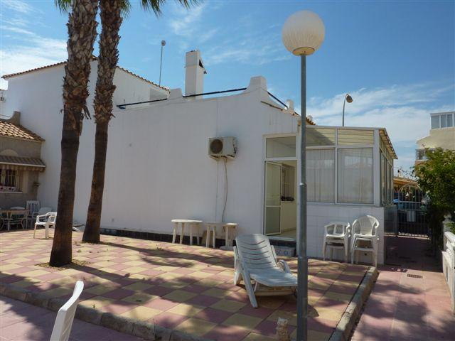 Playa Flamenca La Florida maison meublee 3 chambres vue sur piscine proche de la mer