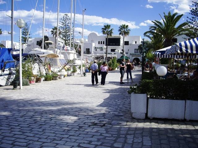 Tunisie sur la Marina de Port El Kantaoui remet restaurant gastronomique connu pour ses specialités ….