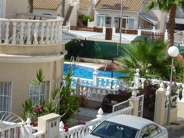 Investir et acheter maison, villa a bon prix sur l'Espagne Costa Blanca Orihuela Costa