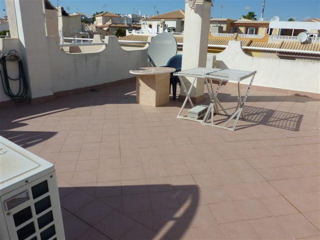 Pour vente rapide Costa Blanca maison meublée de plain pied proche de la plage avec 2 chambres piscine