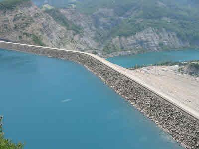 Vallée de l'Isère : nouvelles vannes pour 3 barrages