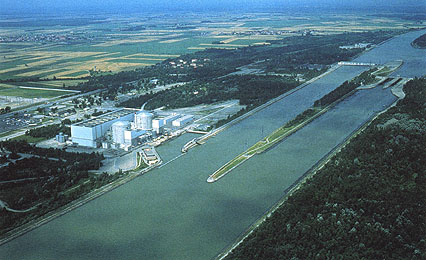 Greenpeace s'attaque à Fessenheim