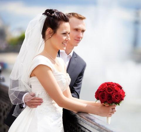 Vous voulez vous marier? Découvrez UnAmourUneVie.com