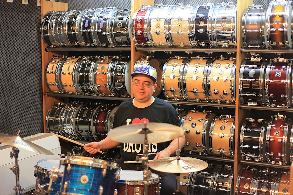 Le batteur Didier D'Agostino prof : la batterie est un formidable anti-stress !