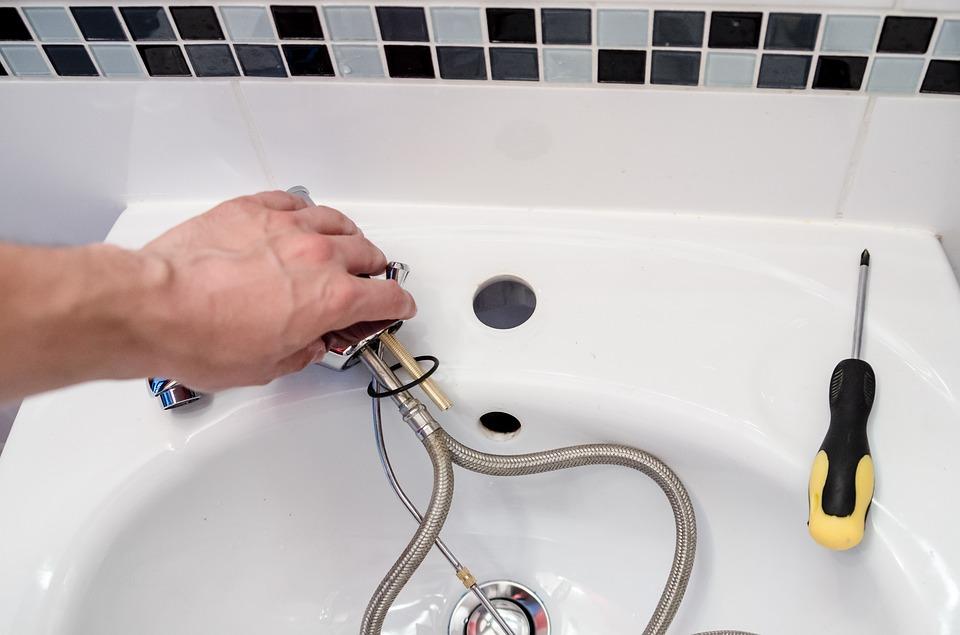 Quelles sont les raisons pour recourir à un plombier professionnel?