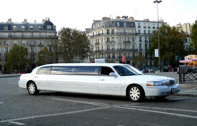 Découvrez les bonnes raisons pour louer une Limousine
