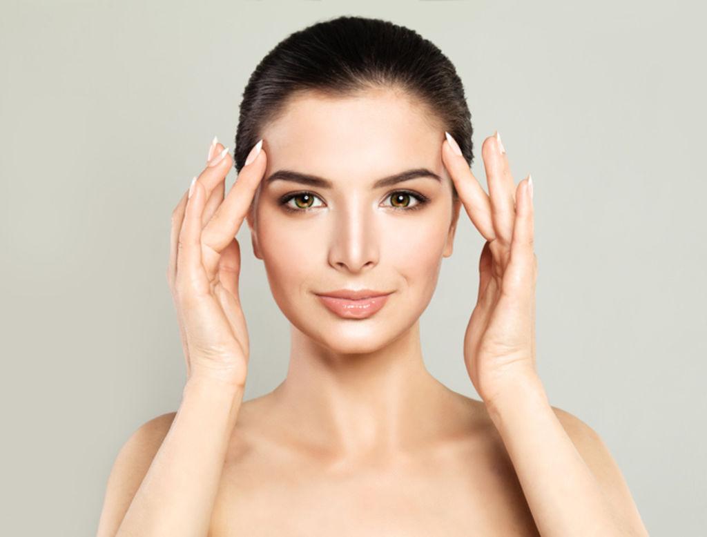 Visage et corps : quel produit cosmétique pour sentir bon ?