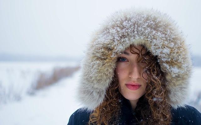 Les peaux réactives : astuces pour ne pas les fragiliser davantage en saison froide
