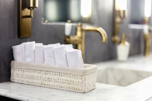 Comment faire pour que votre salle de bain évoque celles d'un hôtel 5 étoiles?