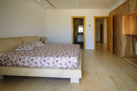 Monastir villa a 200 m de la plage 4 chambres piscine privée