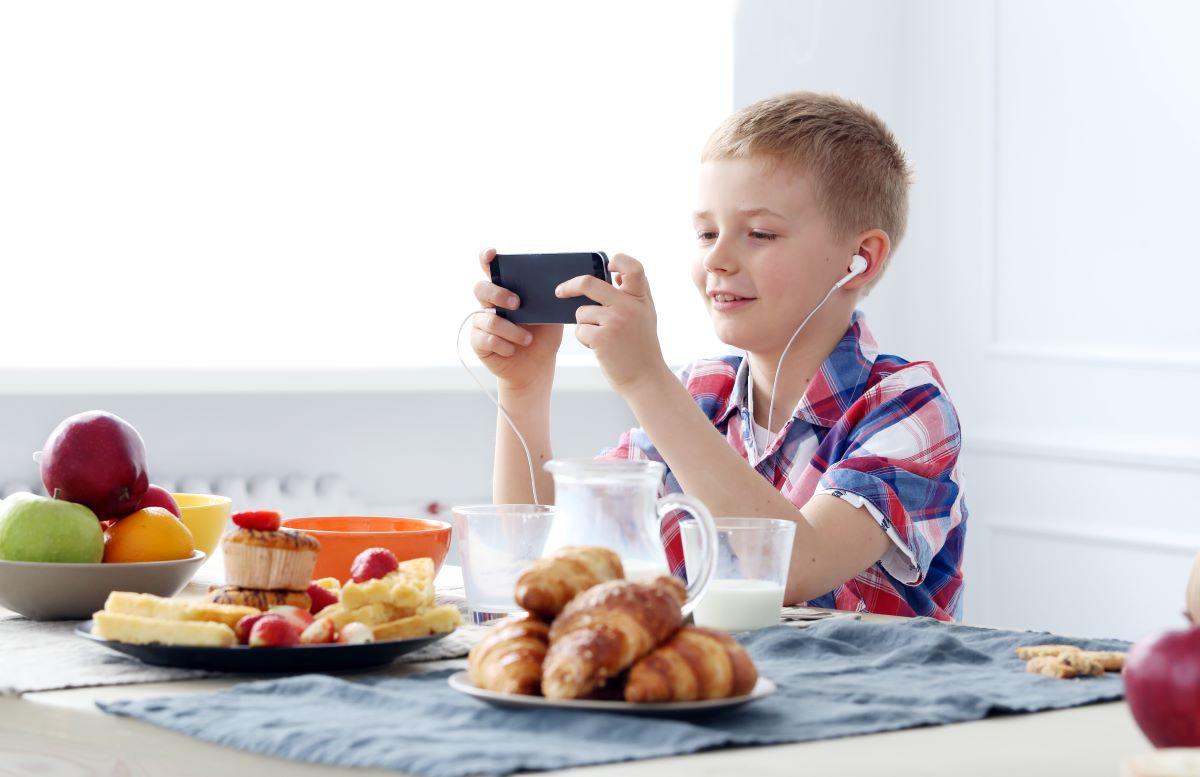 5 façons de protéger votre enfant des prédateurs en ligne