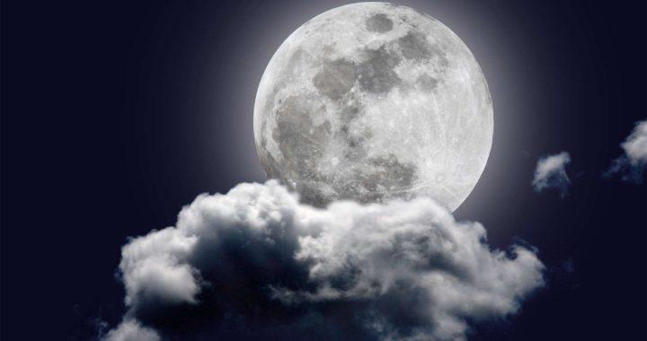 La pleine lune: Son véritable impact sur notre quotidien