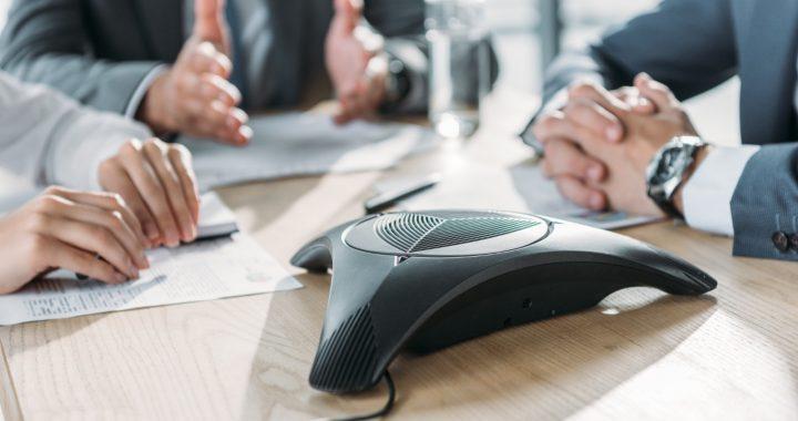 Guide de survie pour les téléconférences : 5 précieux conseils à suivre