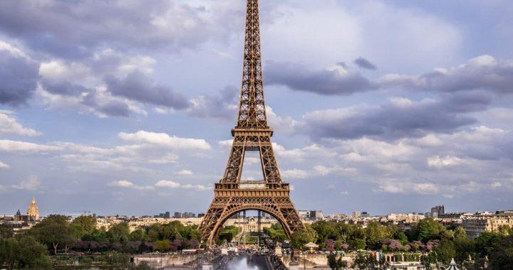Visitez Paris en toute quiétude en réservant un taxi en ligne !