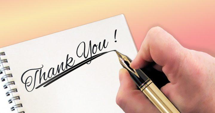 Doit-on toujours se référer à une lettre type de remerciement après un événement ?