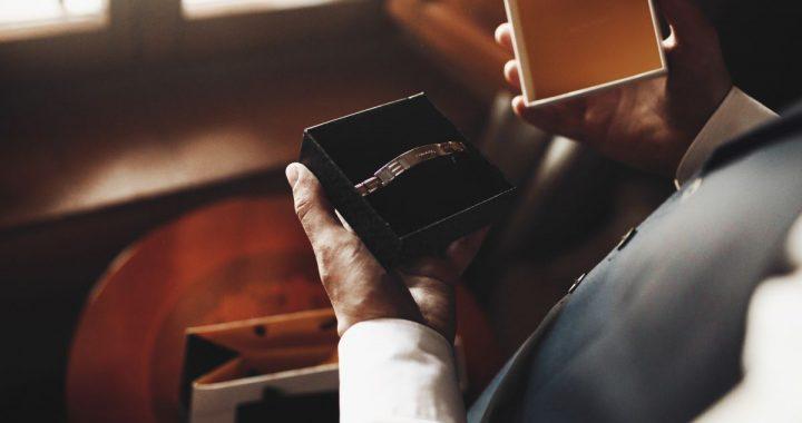 Comment choisir des bijoux pour hommes ? Conseils et infos