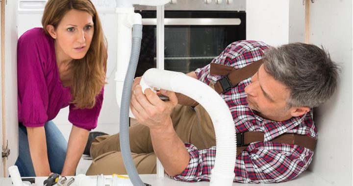 Comment entretenir un siphon sous évier ?