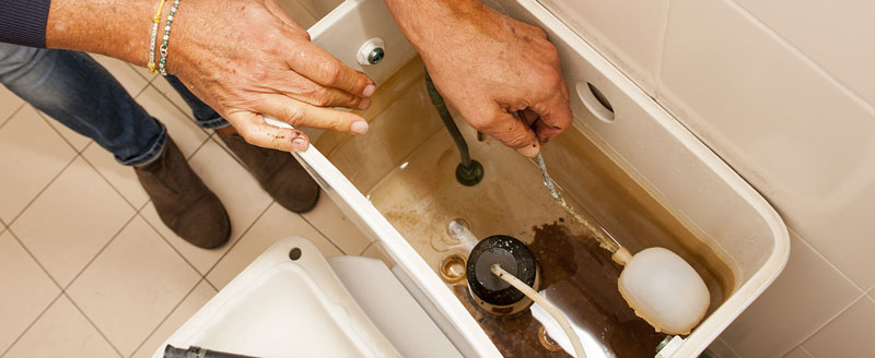 réparer_chasse-d'eau-fuit