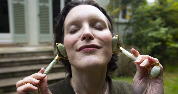 Yoga du visage : la méthode ultime pour faire disparaître les rides.