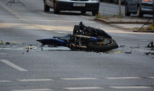 Pourquoi faire appel à un avocat après un accident de moto ?