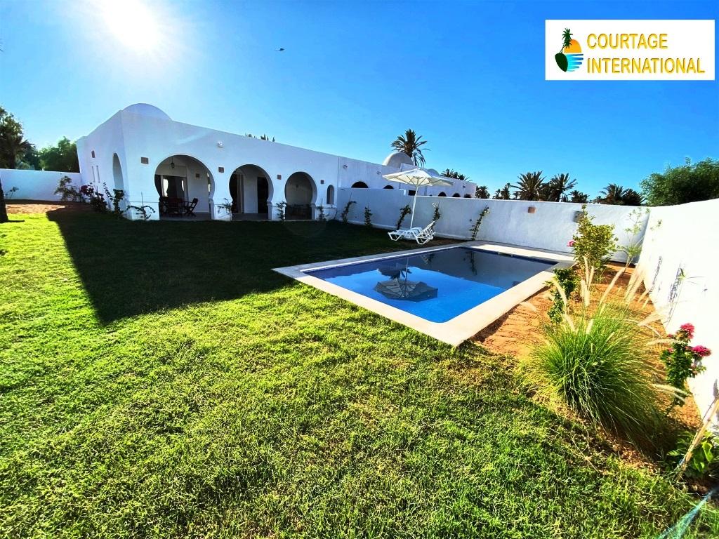 Djerba villa avec piscine en bord de mer a vendre