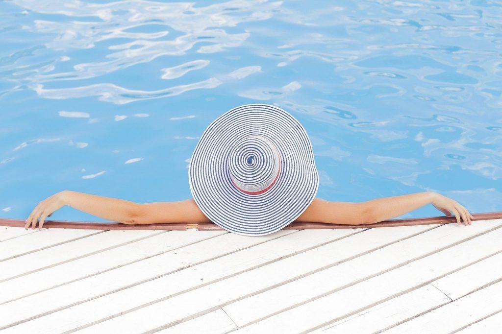 Choisir son parfait abri de piscine