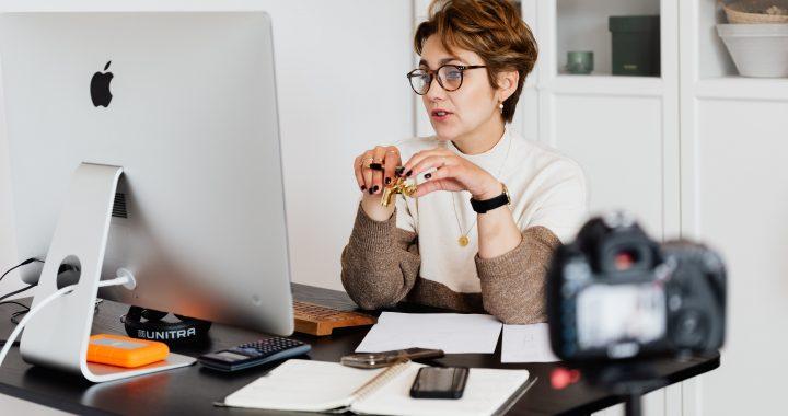 Un coach en ligne pour votre développement personnel : les avantages