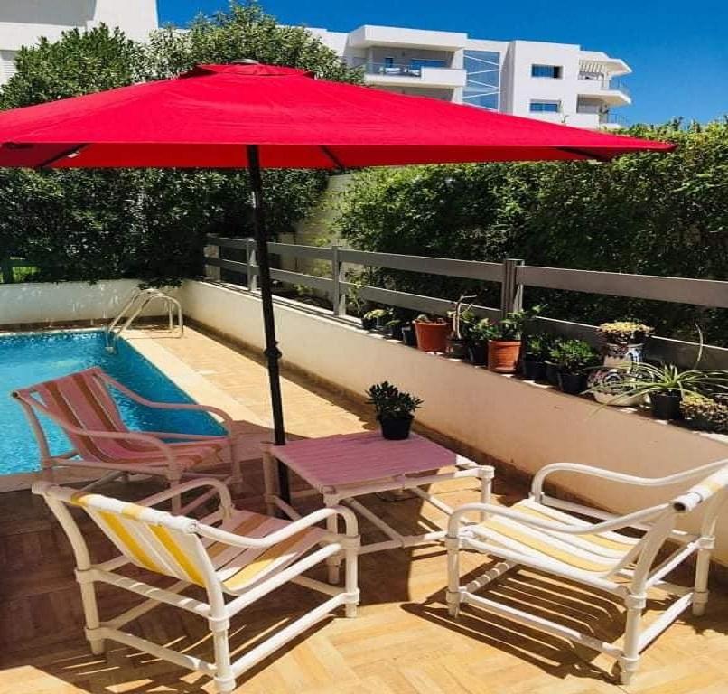 Tunis Banlieue Nord RDC S+3 jardin piscine