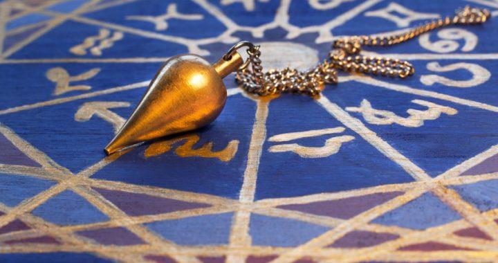 Pendule divinatoire oui non : C'est quoi et comment ça marche ?