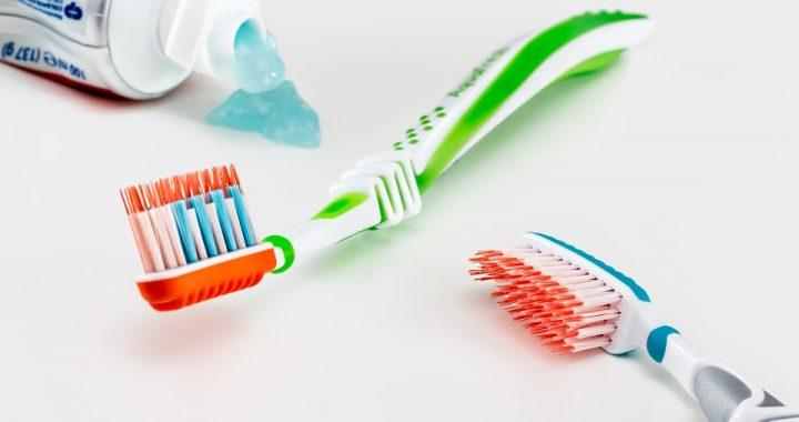 6 accessoires indispensables pour une bonne hygiène dentaire