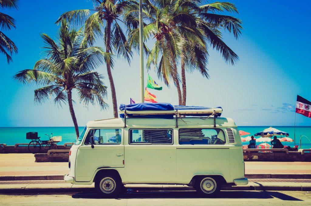 choisir entre un camping-car et une caravane
