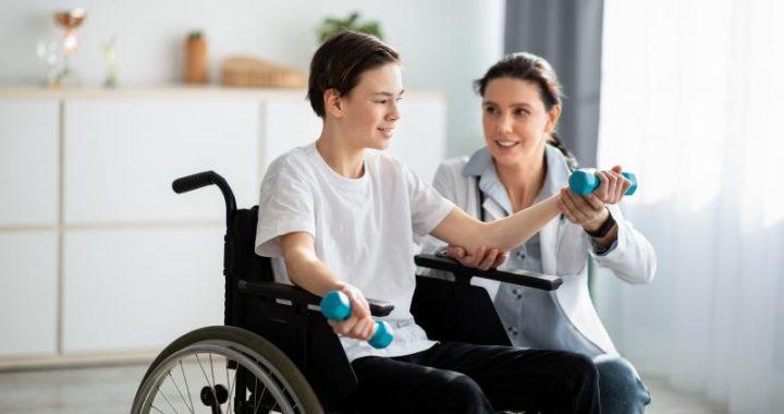 Handicapé : condamné à toujours rester chez soi ?
