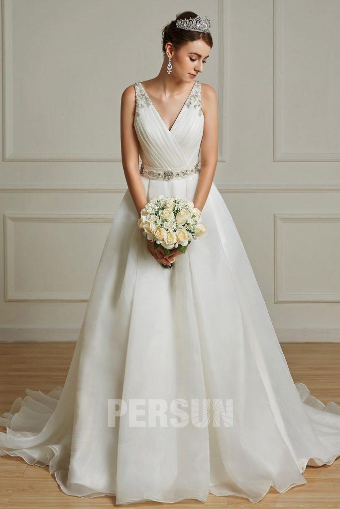 robe de mariée cache coeur V à ceinture brodée de bijoux en Organza