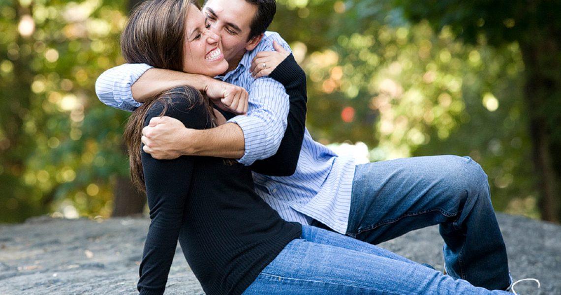 Kissing Couple hd photos