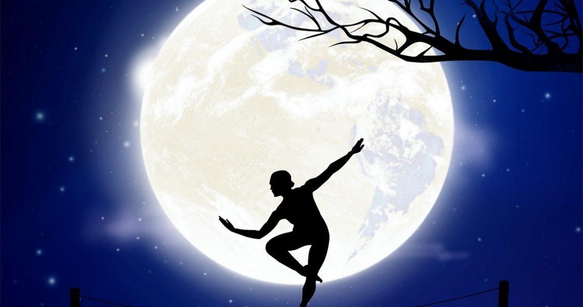 moon-3244435_1280